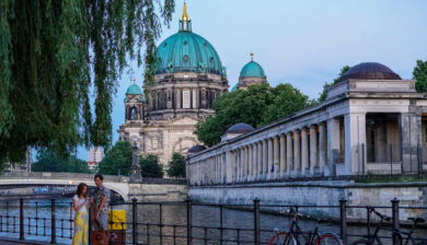 Latex in Berlin - Berlin Museum bei Sonnenuntergang